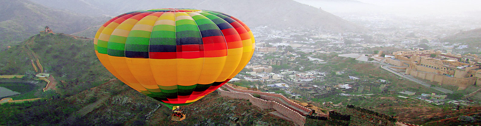 hot air balloon in manali